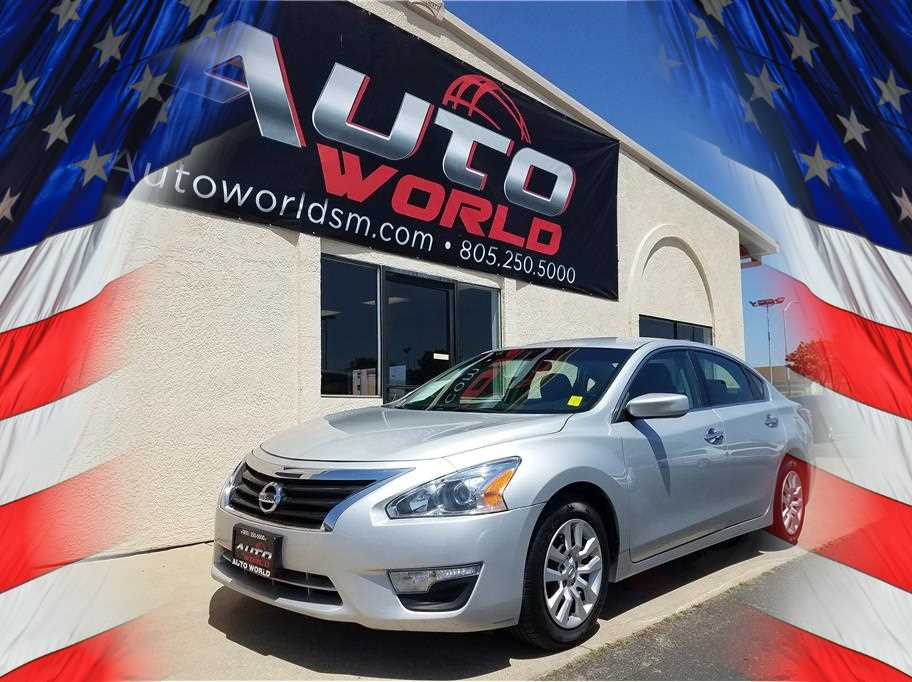 2015 NISSAN ALTIMA 25 SEDAN 4D Silver No Color ABS 4-Wheel Air Conditioning AMFM Stereo A