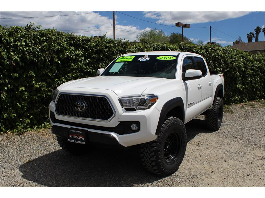 2019 Toyota Tacoma Double Cab TRD Off-Road Pickup 4D 5 ft
