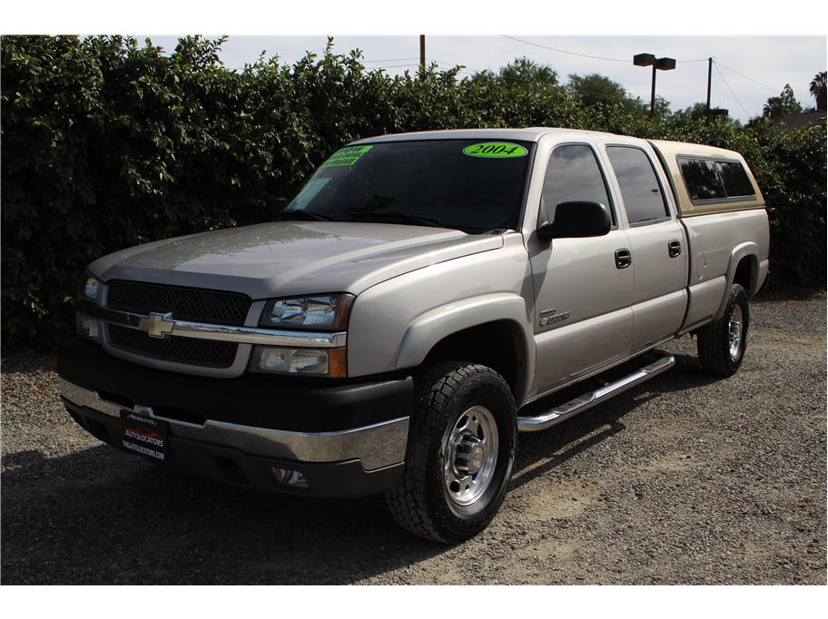 2004 Chevrolet Silverado 2500 HD Crew Cab LS Pickup 4D 8 ft