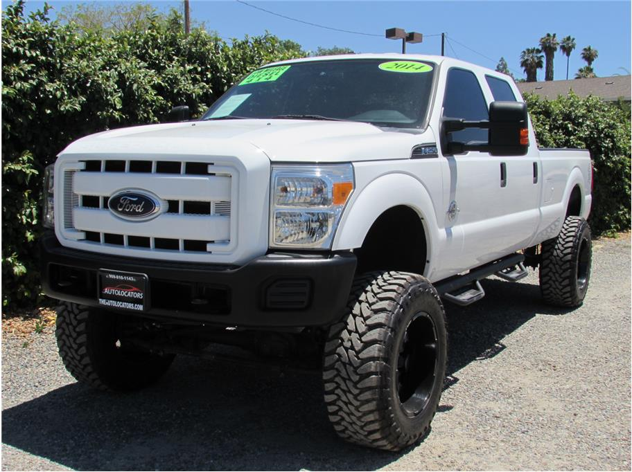 2014 Ford F250 Super Duty Crew Cab XL Pickup 4D 8 ft