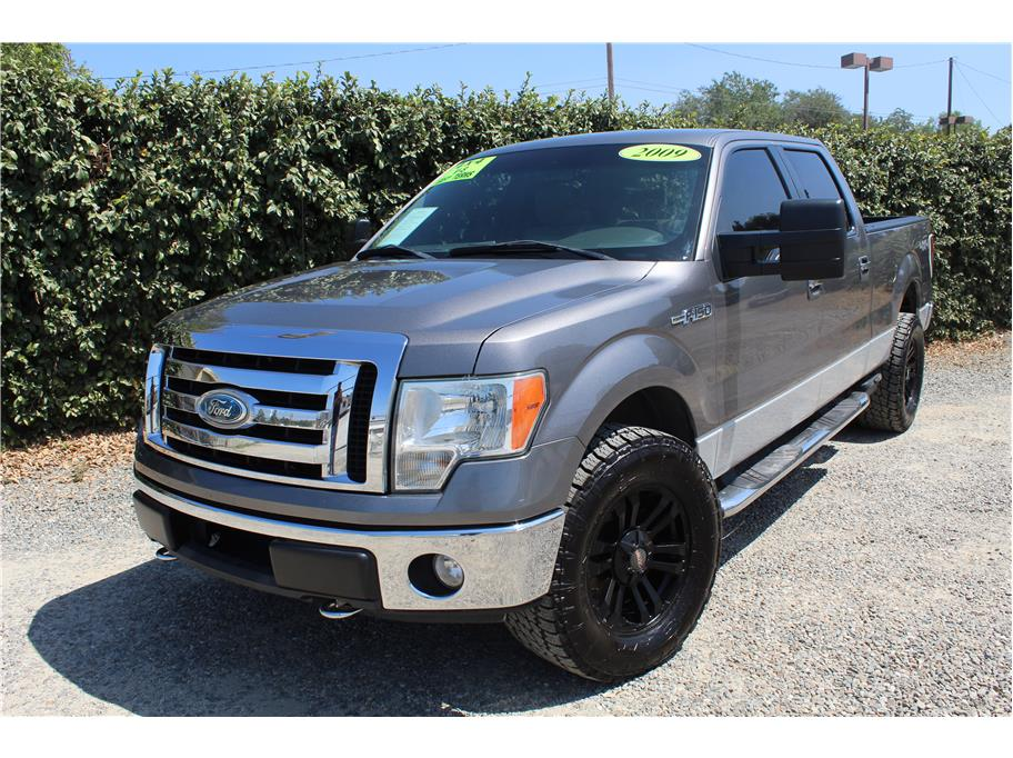 2009 Ford F150 SuperCrew Cab XLT Pickup 4D 6 1/2 ft
