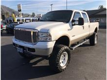 2005 Ford F350 Super Duty Crew Cab Lariat Pickup 4D 8 ft