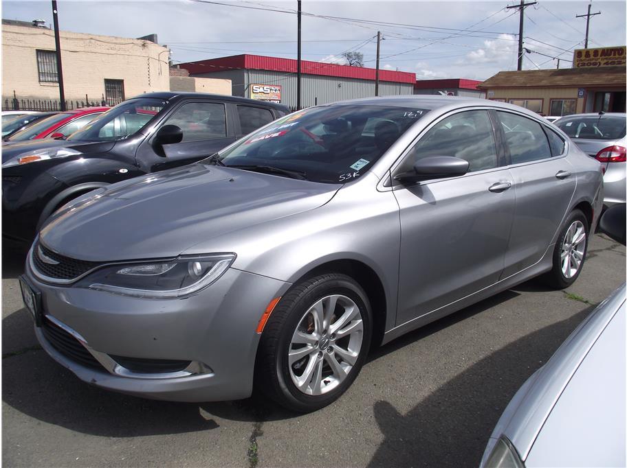 2015 Chrysler 200 Limited Sedan 4D