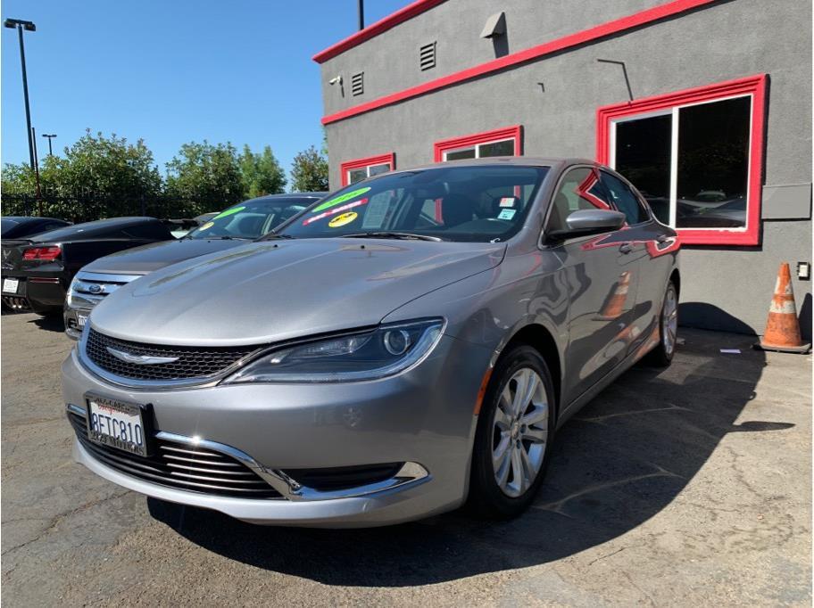 2016 Chrysler 200 Limited Sedan 4D