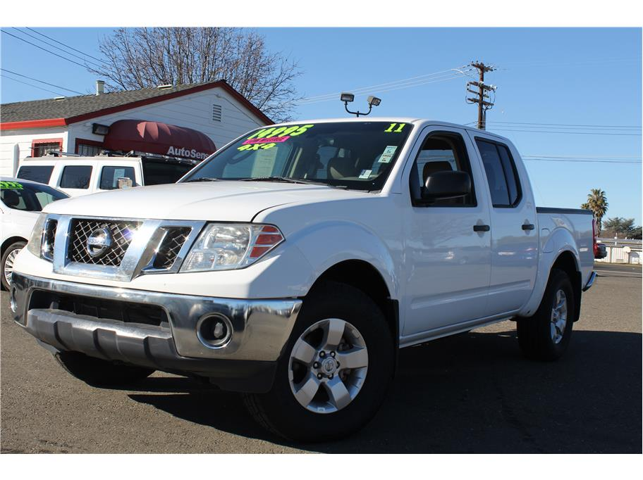 2011 Nissan Frontier Crew Cab SV Pickup 4D 5 ft