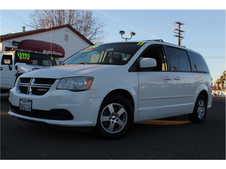 2013 Dodge Grand Caravan Passenger SXT Minivan 4D