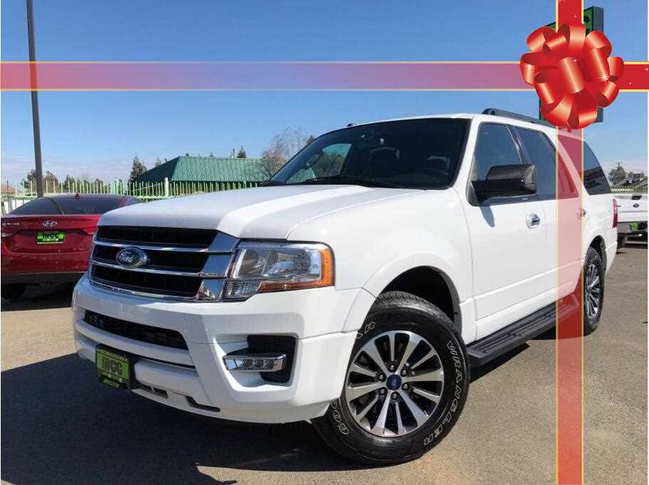 2017 Ford Expedition XLT Sport Utility 4D