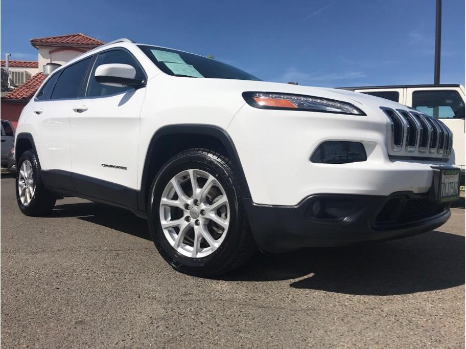 2017 Jeep Cherokee Latitude Sport Utility 4D