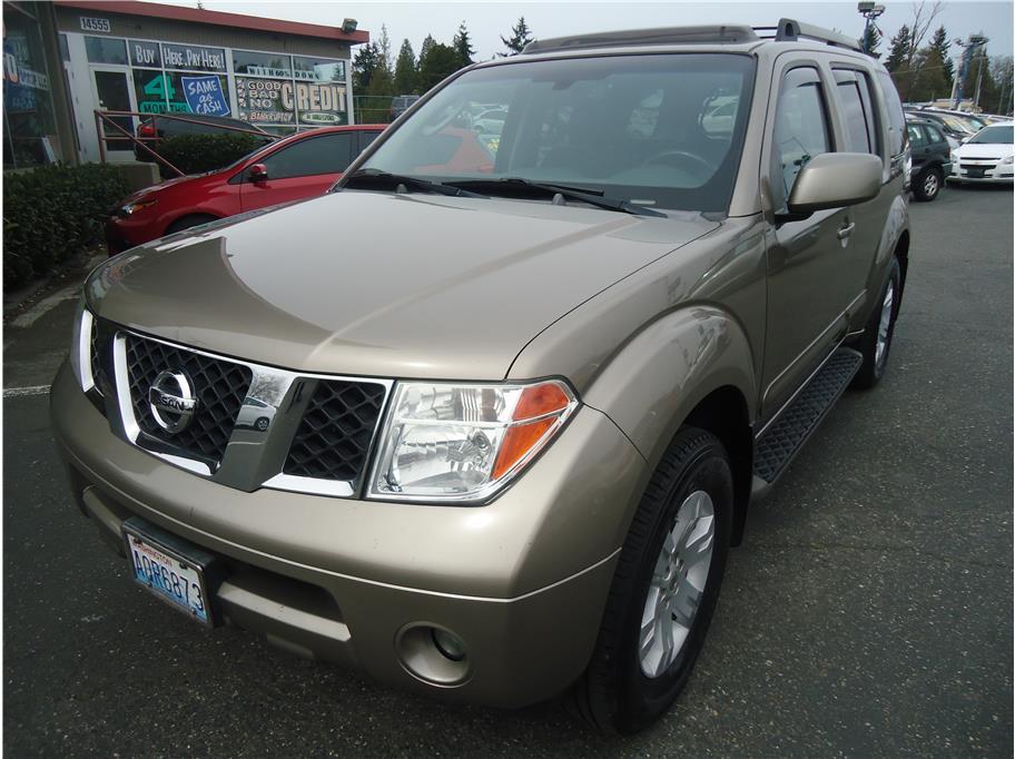 2007 Nissan Pathfinder LE Sport Utility 4D