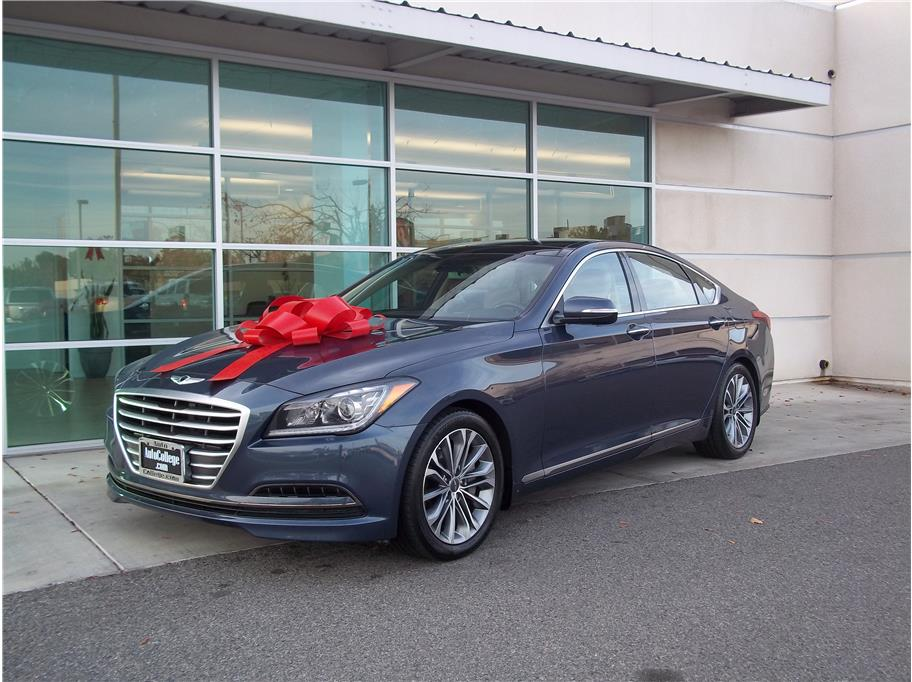 2015 Hyundai Genesis from Auto College