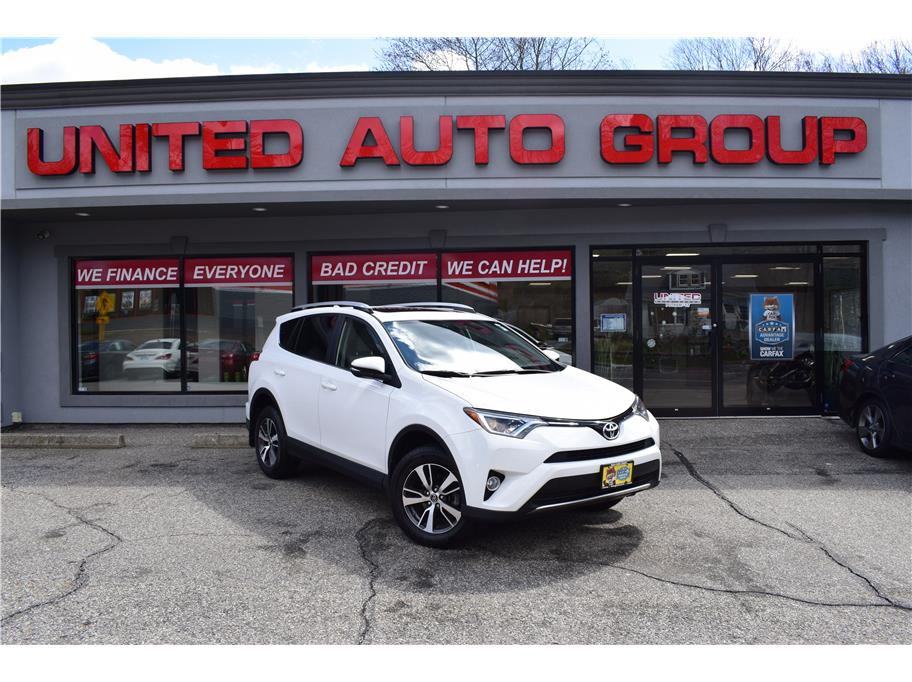 2016 Toyota RAV4 from United Auto Group