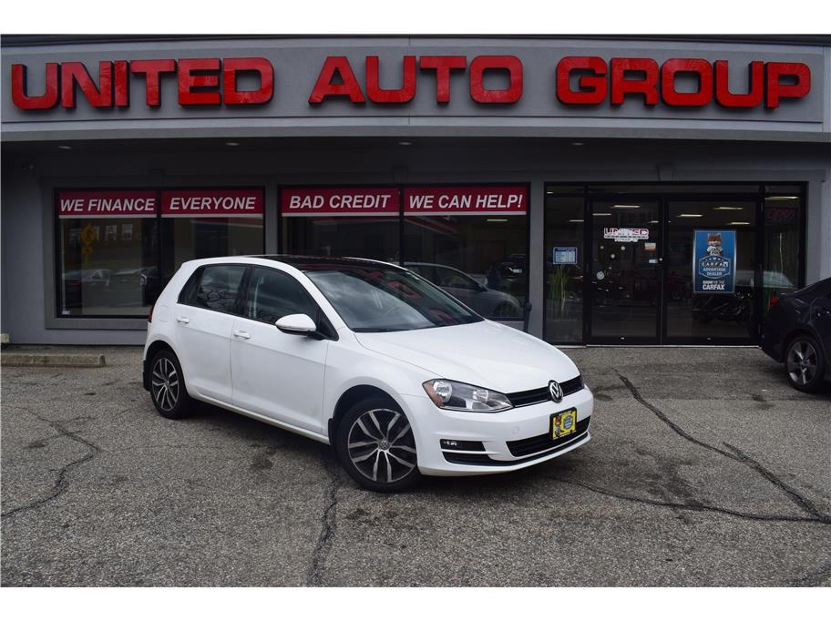 2016 Volkswagen Golf from United Auto Group