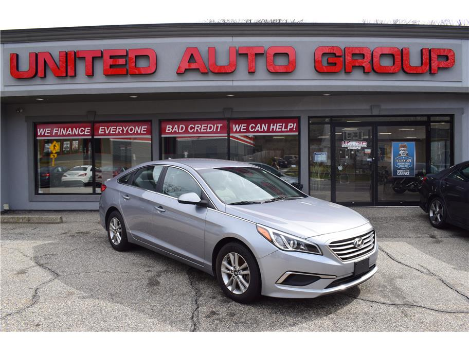 2017 Hyundai Sonata from United Auto Group