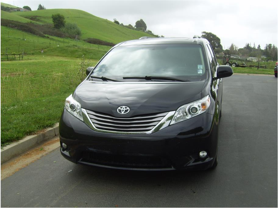 2015 Toyota Sienna from Elias Motors Inc