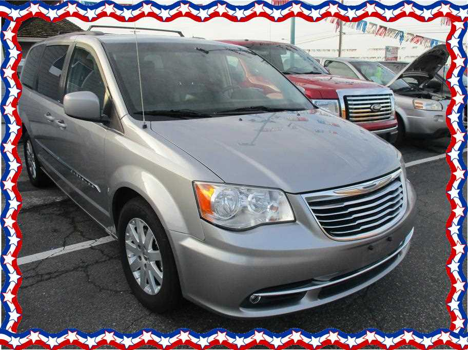 2014 Chrysler Town & Country from Affordable Auto Liquidators LLC