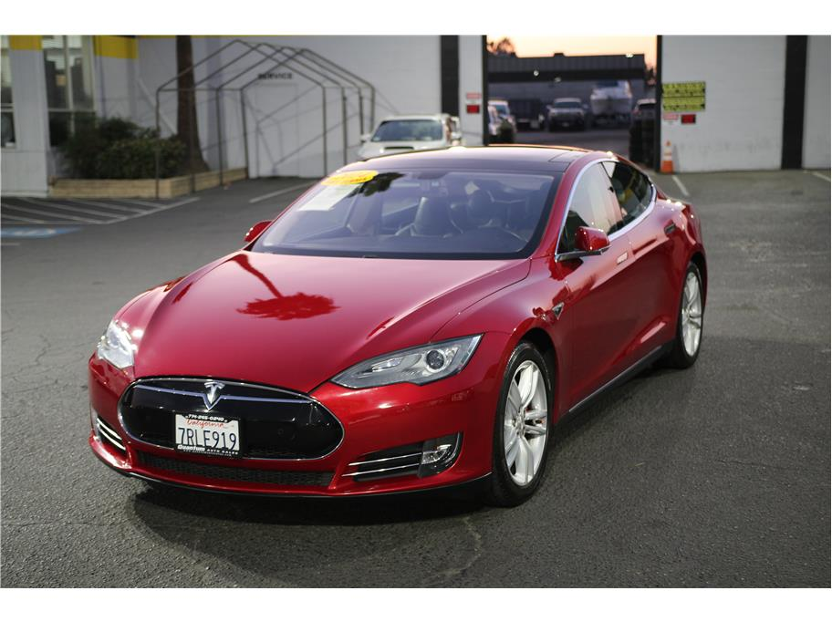 2014 Tesla Model S from Quantum Auto Sales