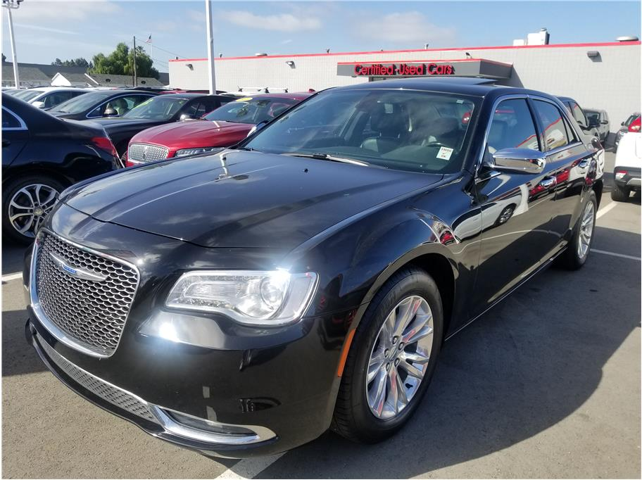 2017 Chrysler 300 from Hayward Mitsubishi