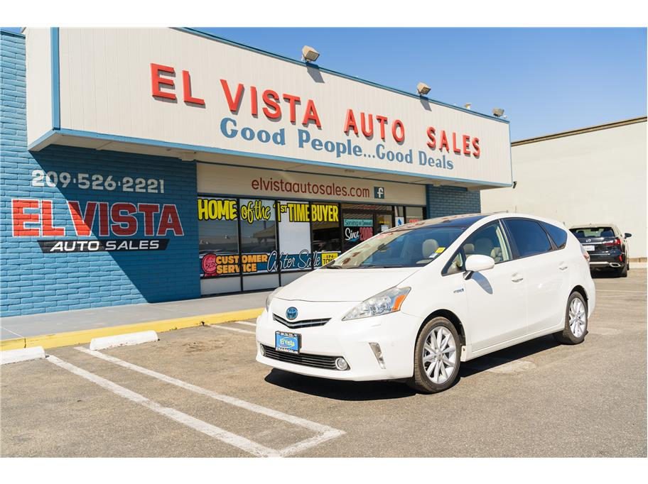 2012 Toyota Prius v Five Wagon 4D