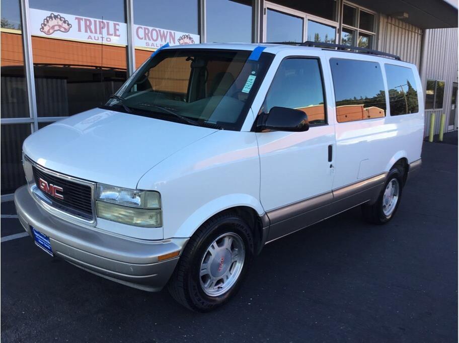 2004 GMC Safari Extended Minivan 3D