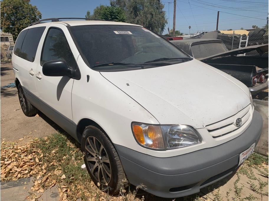 2003 Toyota Sienna CE