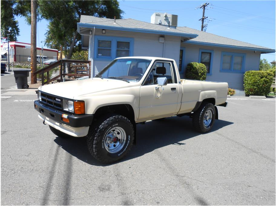 used toyota pickup for sale in sacramento ca 6 vehicles from 21 995. Black Bedroom Furniture Sets. Home Design Ideas
