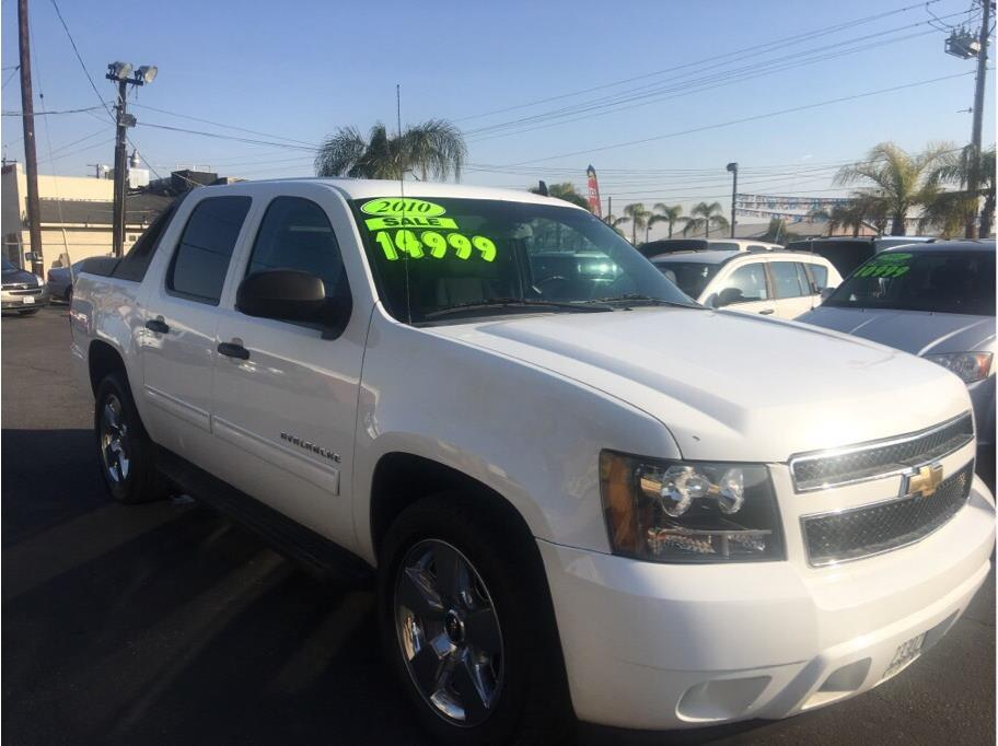 used chevrolet avalanche for sale in bakersfield ca 6 cars from 6 995. Black Bedroom Furniture Sets. Home Design Ideas