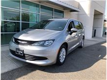 2017 Chrysler Pacifica Touring Minivan 4D