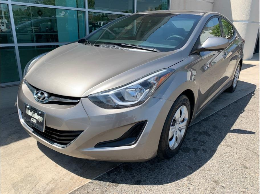 2016 Hyundai Elantra from Auto College