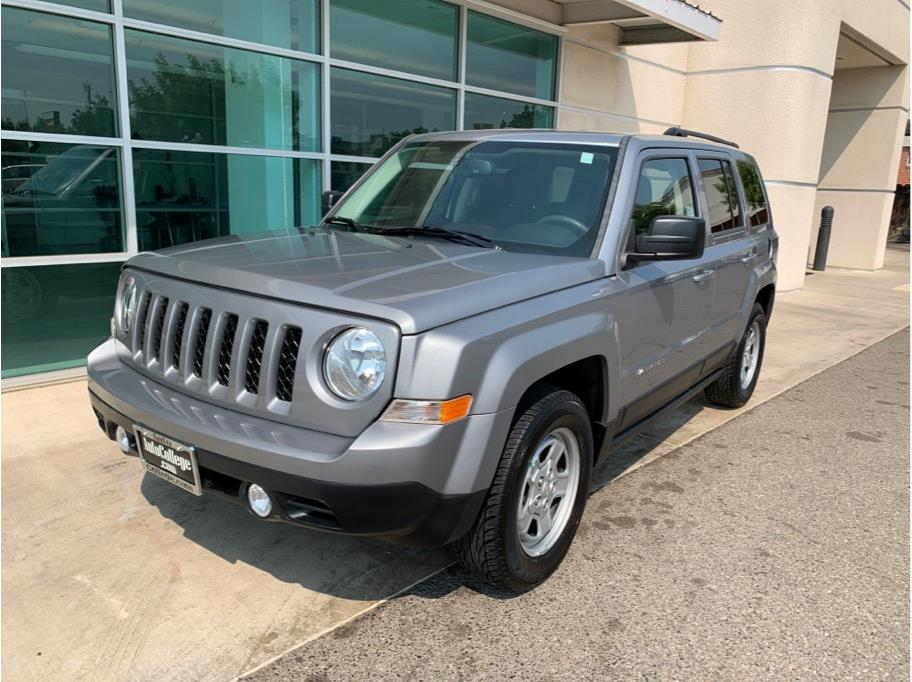 2016 Jeep Patriot from Auto College