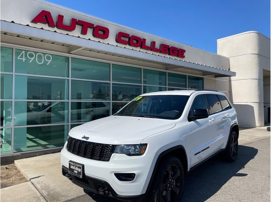 2019 Jeep Grand Cherokee from Auto College