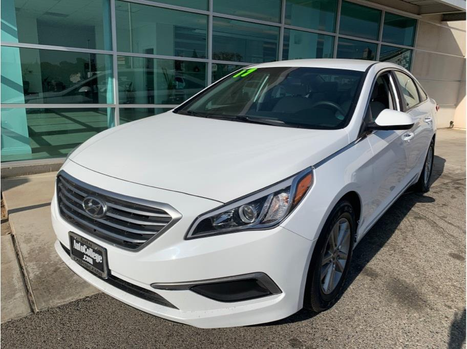 2017 Hyundai Sonata from Auto College