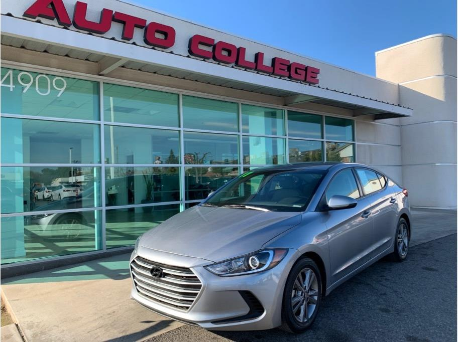 2017 Hyundai Elantra from Auto College