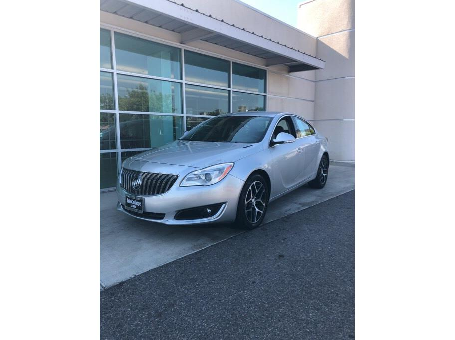 2017 Buick Regal from Auto College