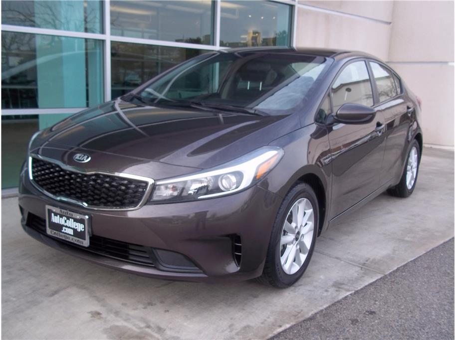 2017 Kia Forte from Auto College