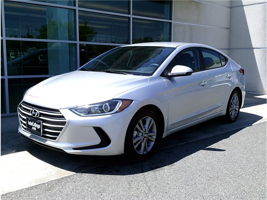 2018 Hyundai Elantra from Auto College