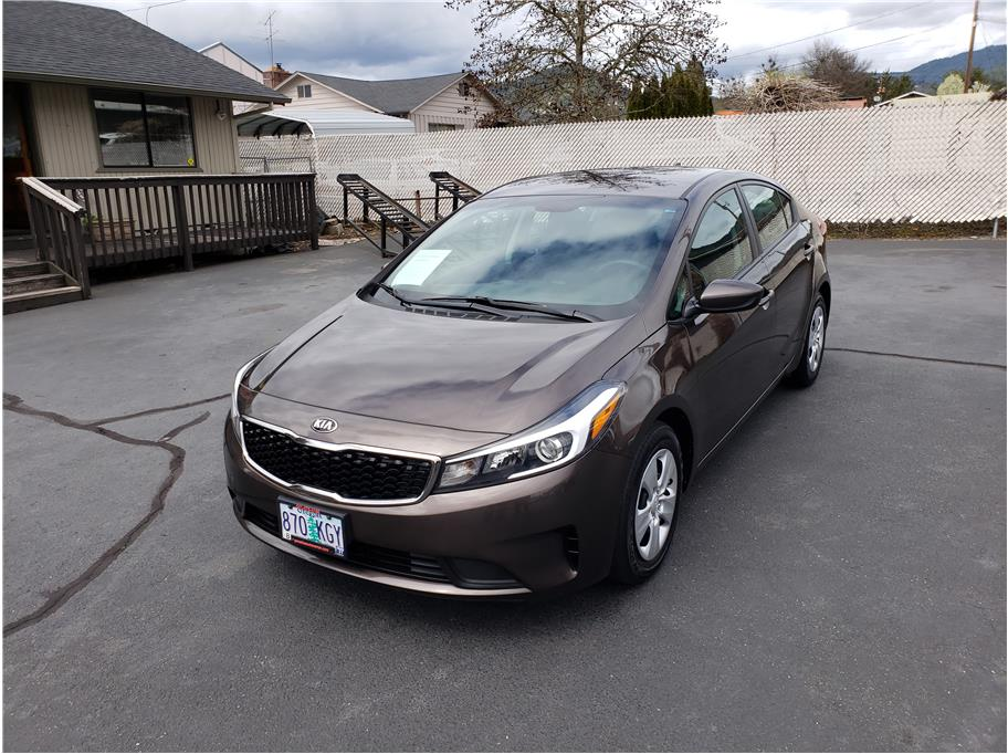 2017 Kia Forte from Paradise Auto Center - Grants Pass
