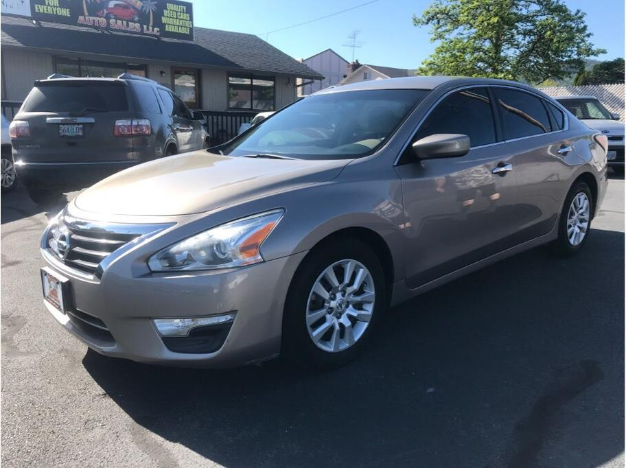 2014 Nissan Altima from Paradise Auto Sales - Medford
