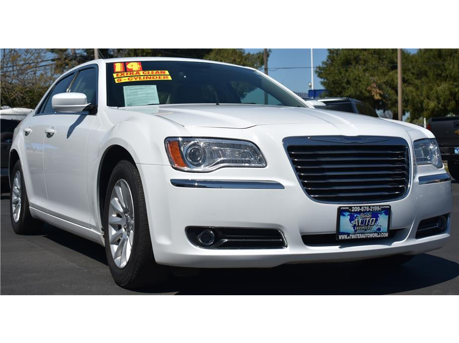 2014 Chrysler 300 from Atwater Auto World