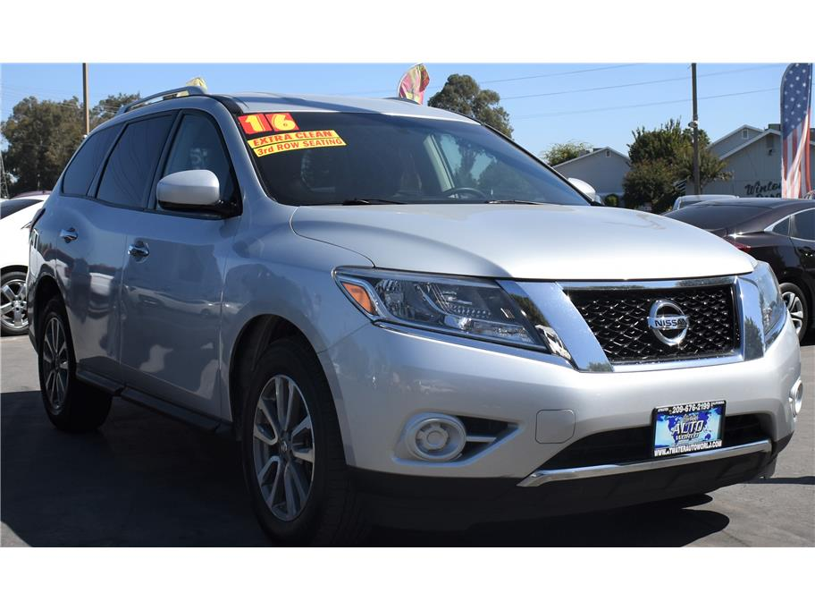 2016 Nissan Pathfinder from Atwater Auto World