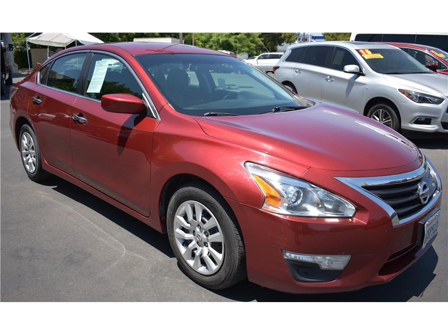 2015 Nissan Altima from Atwater Auto World