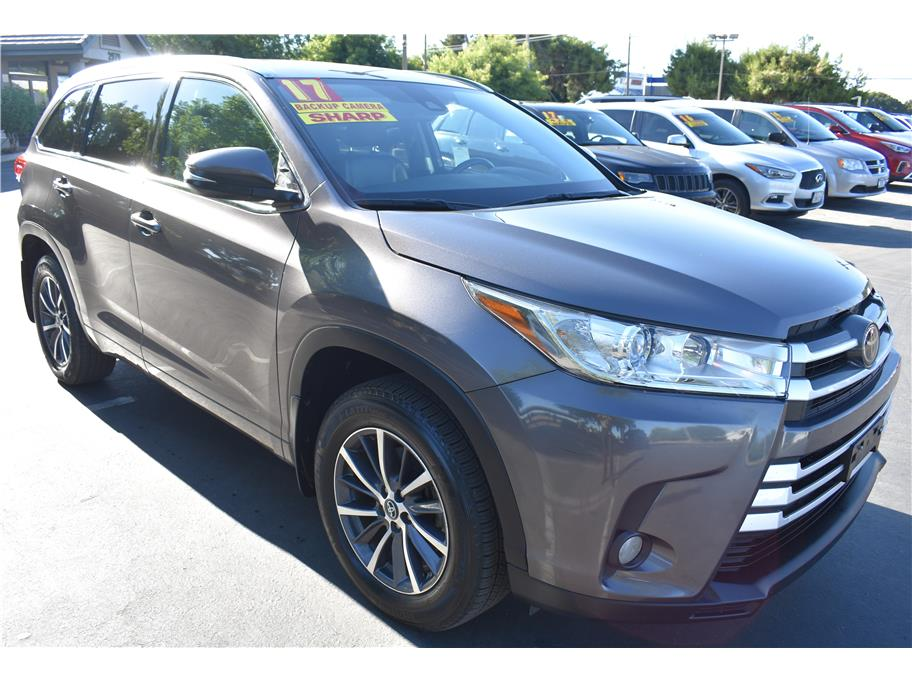 2017 Toyota Highlander from Atwater Auto World