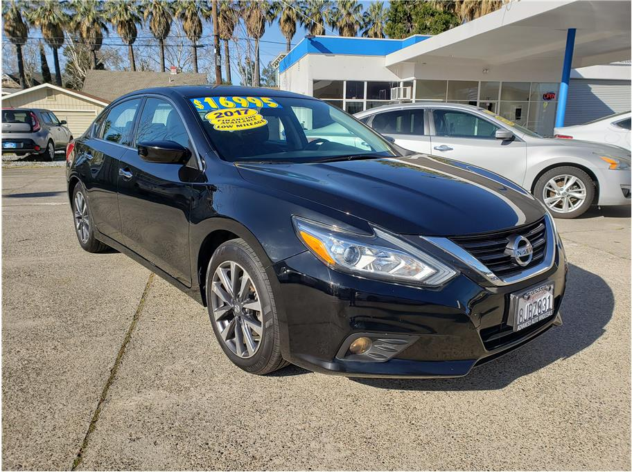 2017 Nissan Altima from Advanced Auto Wholesale II
