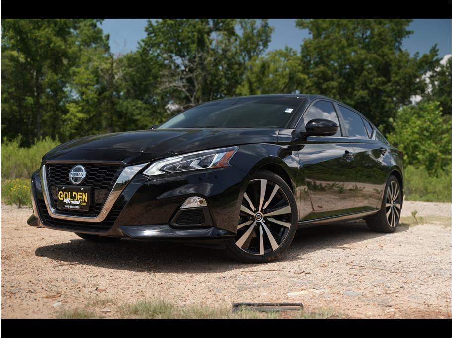 2019 Nissan Altima from GOLDEN MOTORS
