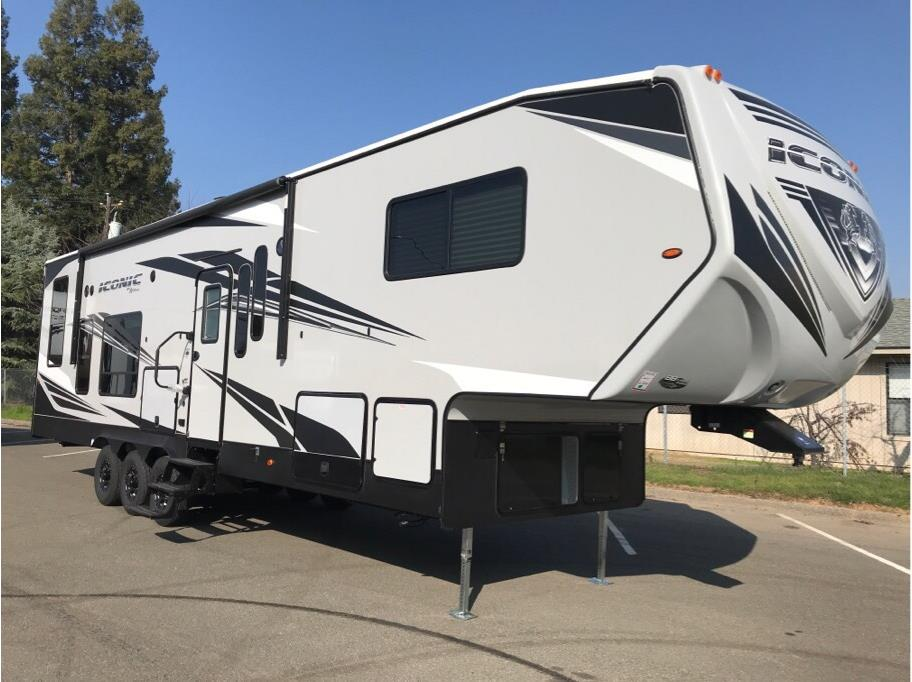2018 ECLIPSE  ICONIC 3422CL
