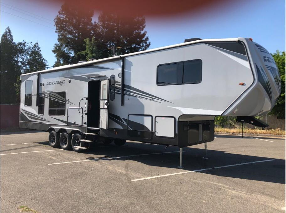 2019 ECLIPSE ICONIC 3422CL