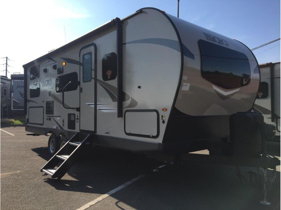 2019 FOREST RIVER Flagstaff 25BRDS Micro Lite