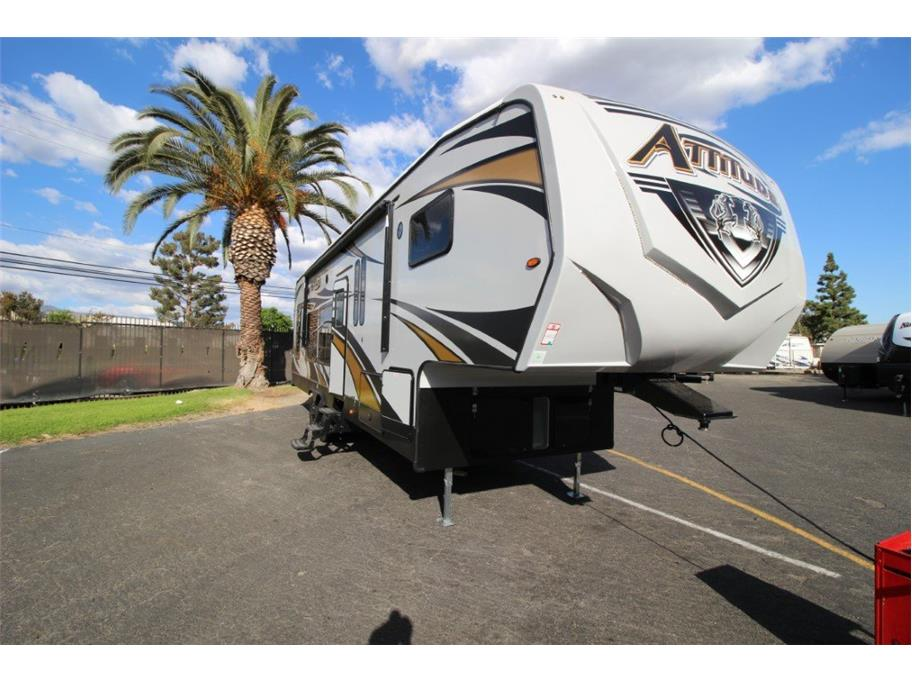 2020 Eclipse Attitude 3016SS from Epic RV Liquidators