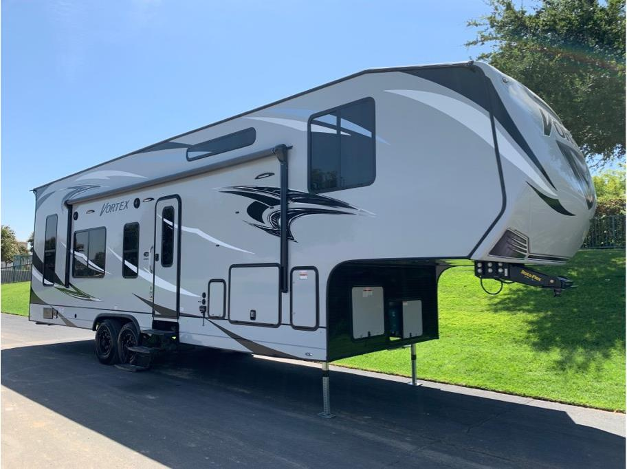 2020 GENESIS SUPREME  Vortex 3219VXL from Epic RV Liquidators