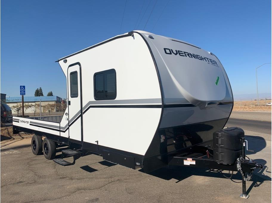 2020 Genesis Supreme Overnighter 8-18FB from Epic RV Liquidators