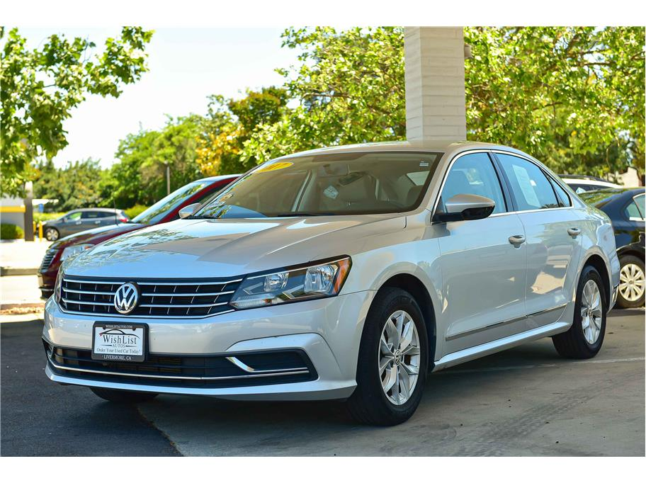 2017 Volkswagen Passat from WishList Autos